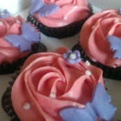 Butterfly decorated lemon cupcakes