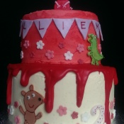 Peppa Pig birthday cake for a 2 year old little girl.