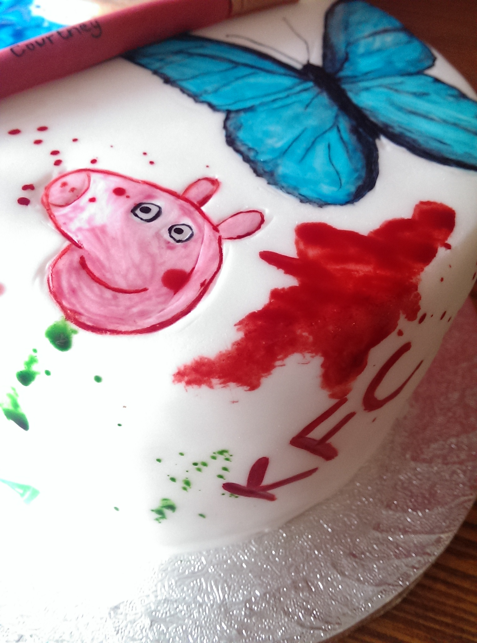 A small little memory cake in memory of a beautiful little girl, Courtney. Sweet dreams little one!